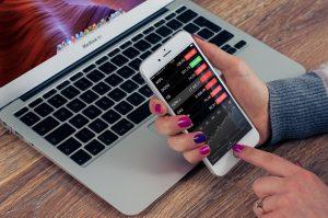 Tu estrategia de marketing online debe considerar los móviles.