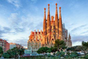 Barcelona es una ciudad llena de historia y modernismo.