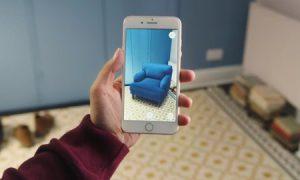 La realidad aumentada mezcla lo real con lo virtual para crear experiencias enriquecidas.