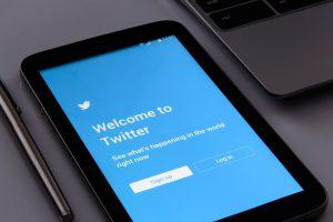 Twitter en 2018 tienen la tendencia de que sus usuarios acceden más a la red mediante el móvil.